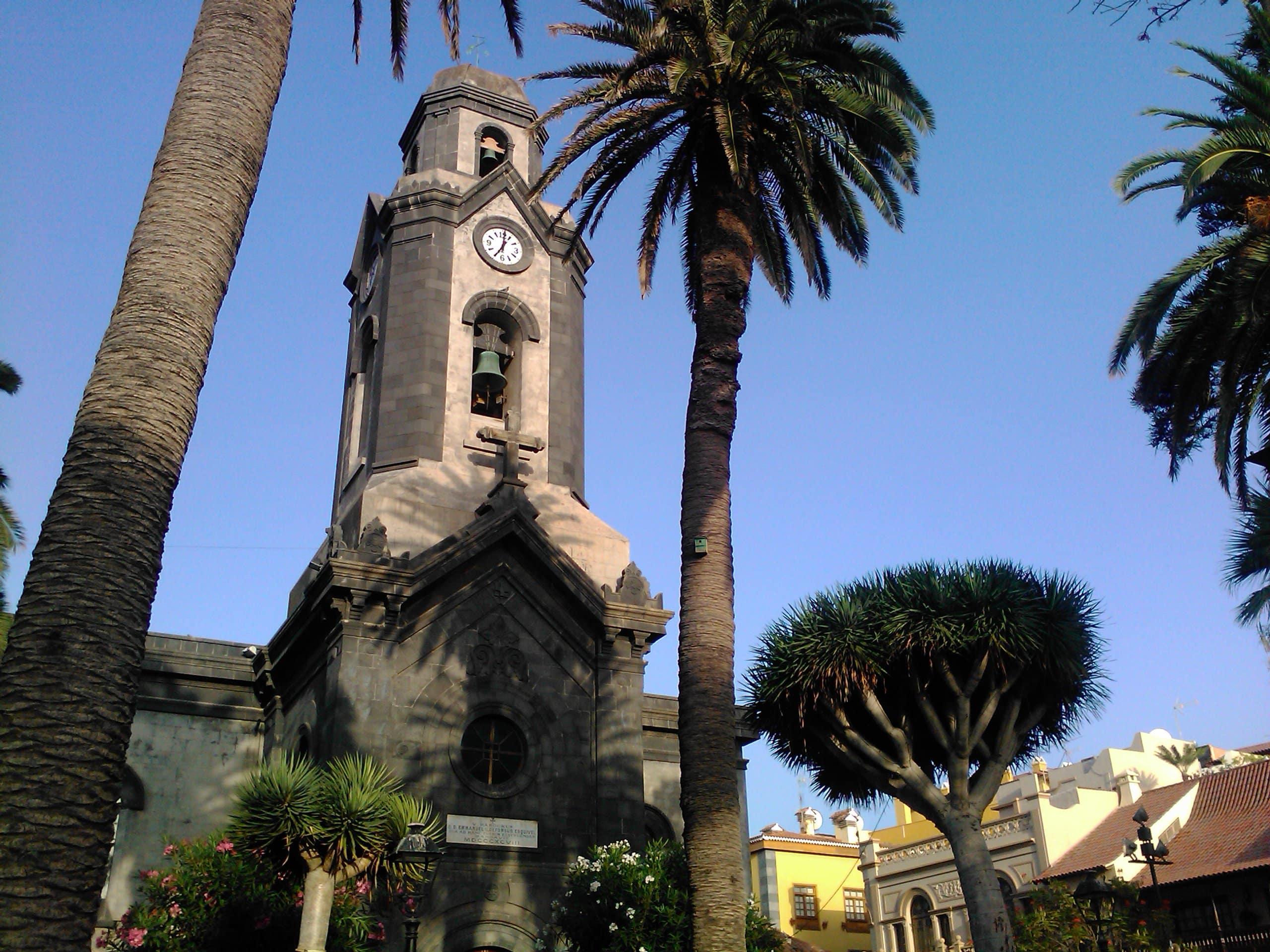 Iglesia de Nuestra Señora de la Pena Francia-05